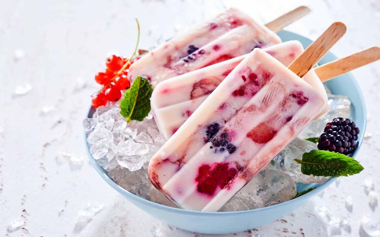 ghiccioli yogurt greco ricetta FOTO ricettasprint