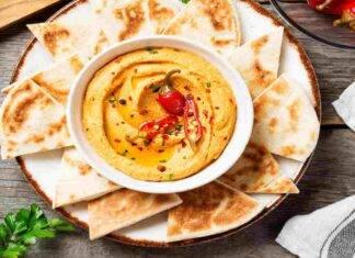 Hummus cremoso al peperoncino e peperoni