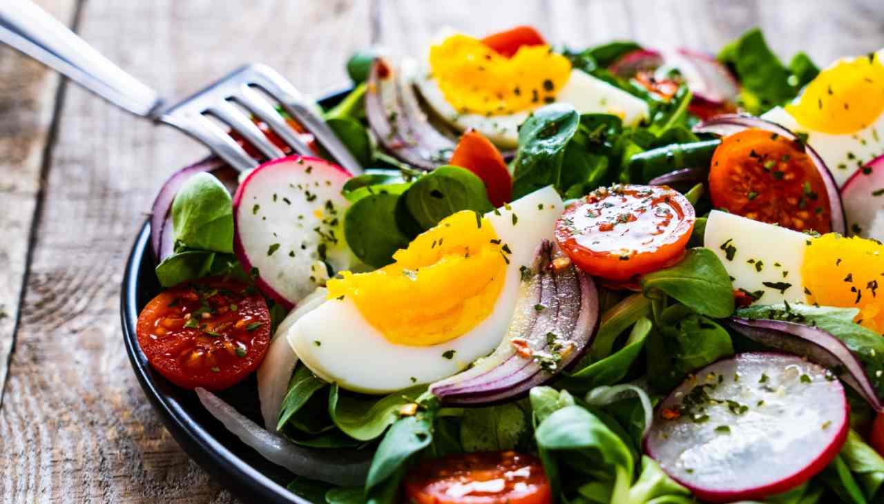 Finger food di verdura con uova