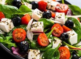 Piatto unico fresco. Ricetta greca