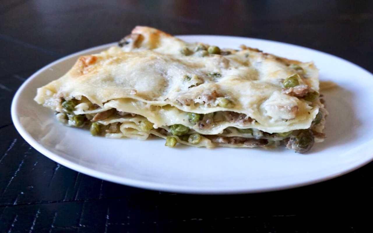 lasagna funghi salsiccia ricetta FOTO ricettasprint