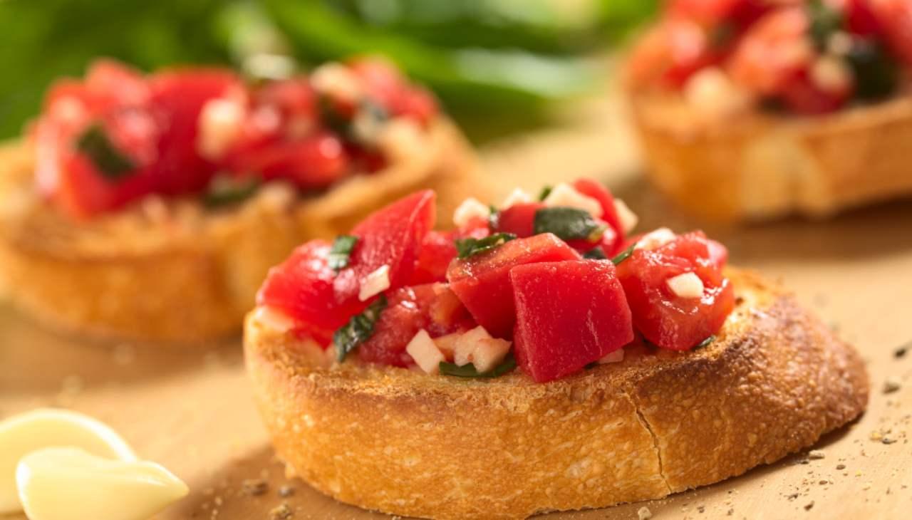 Finger food di pane abbrustolito