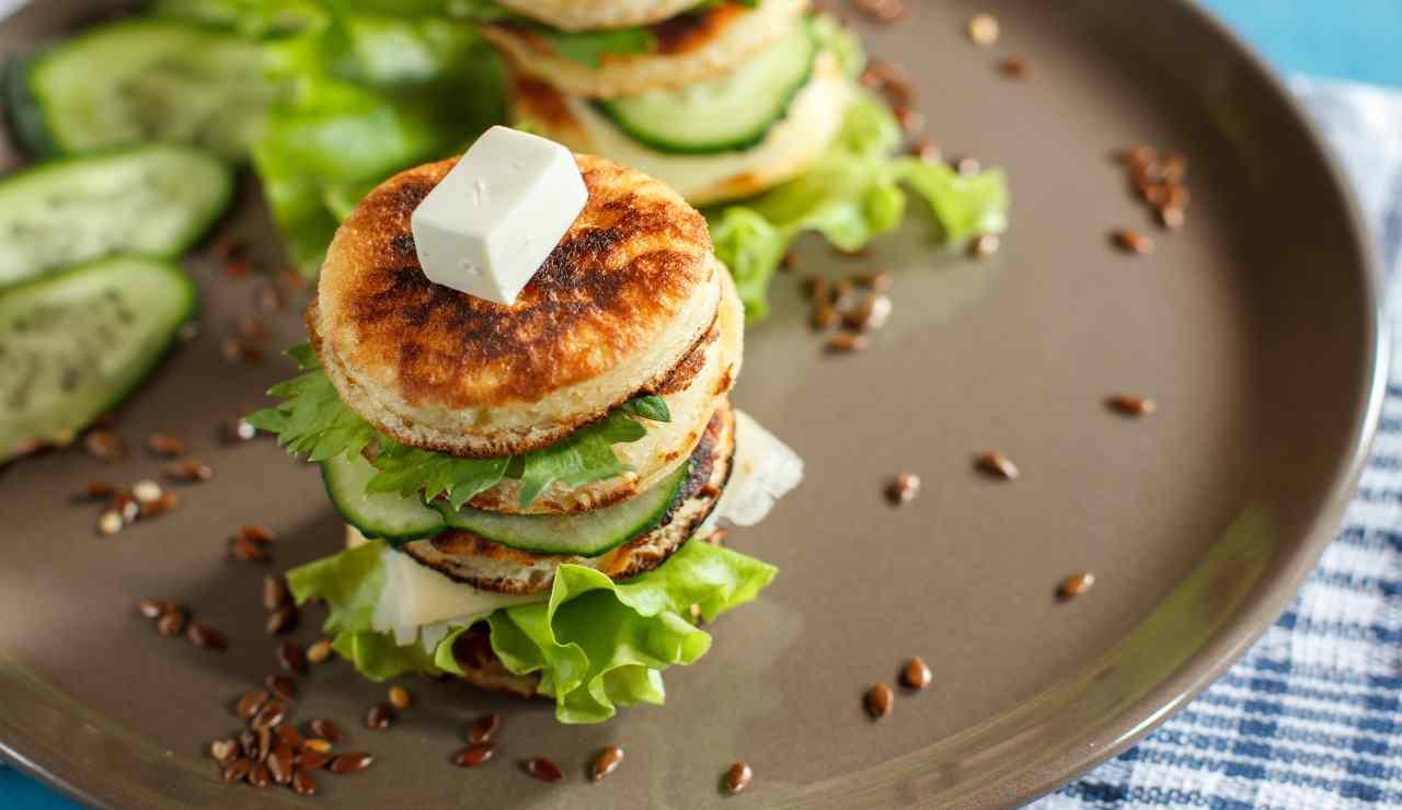 Mini pancake sandwich con verdure light