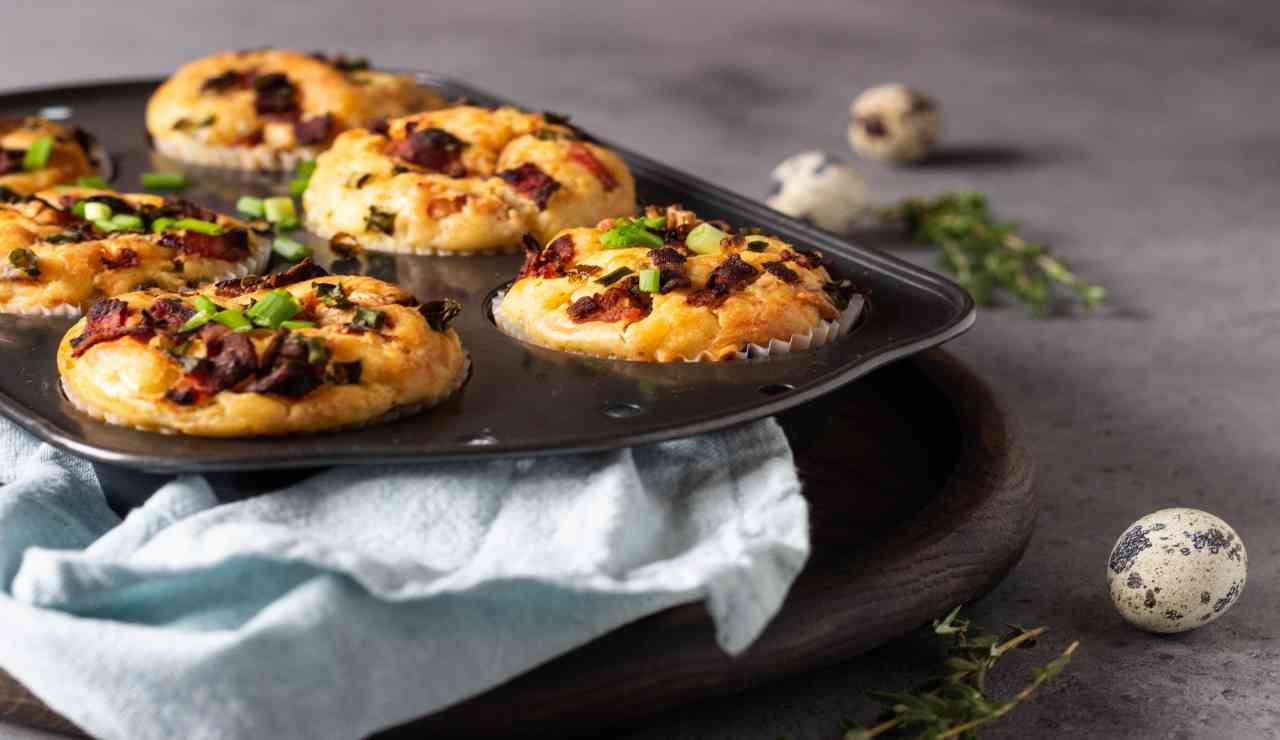 Muffin rustici bacon e cipollotto