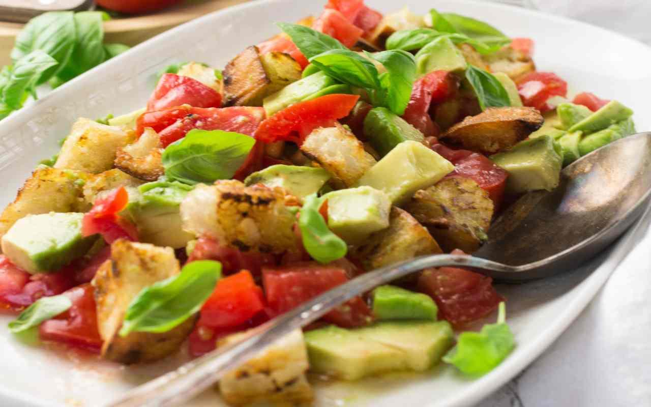 panzanella avocado ricetta FOTO ricettasprint