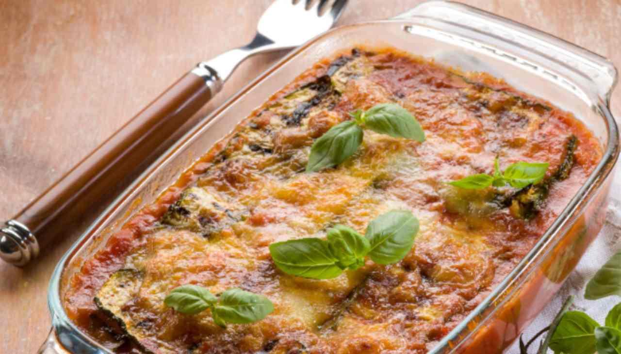 Verdure con pomodoro e fomaggio al forno