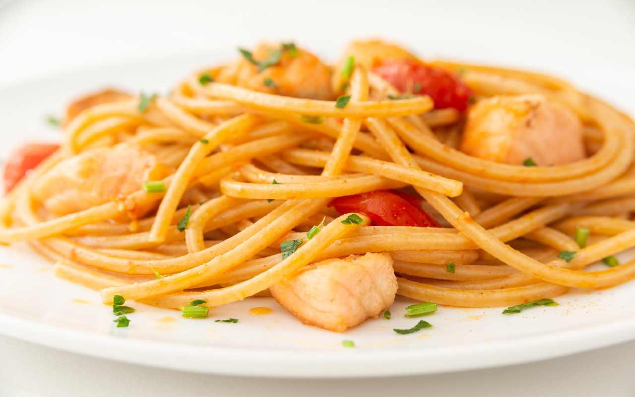 pasta pomodorini salmone ricetta FOTO ricettasprint