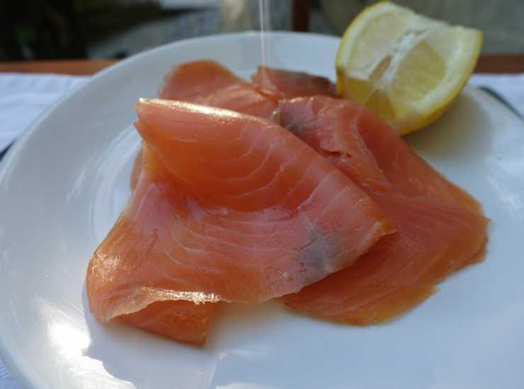 Pasta con pomodorini e salmone FOTO ricettasprint