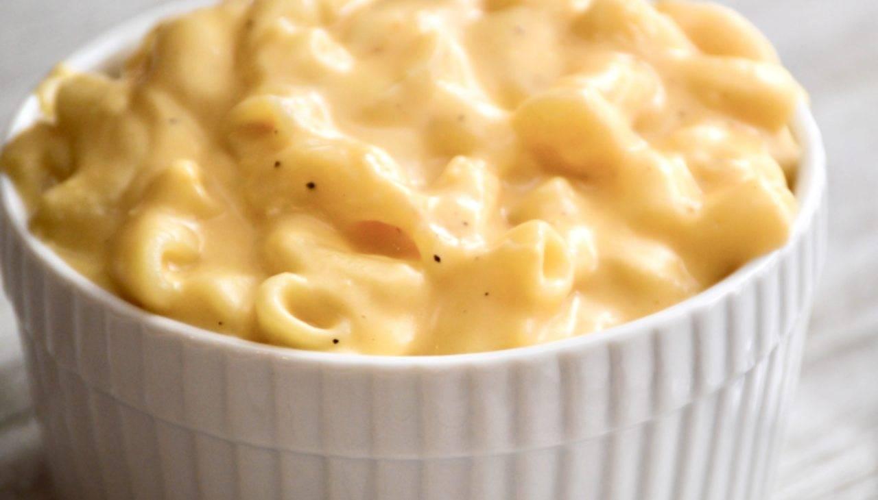 Pasta con formaggio e tuberi