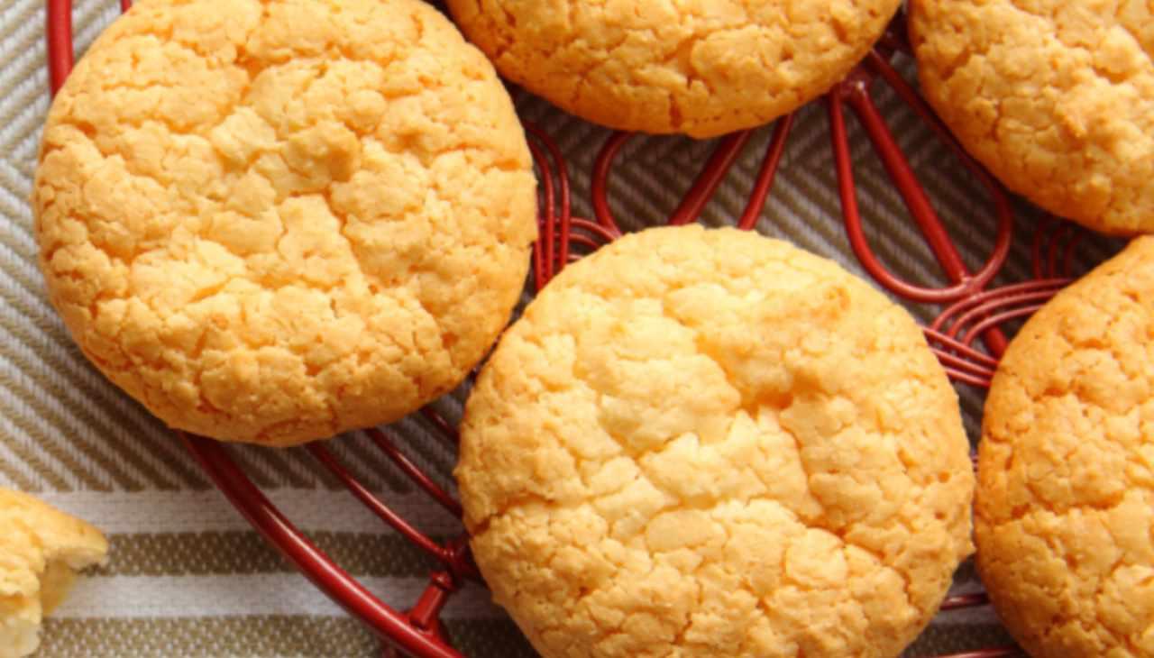 Biscotti con burro e cocco