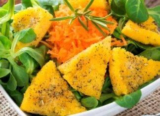 Triangoli di polenta fritta in olio