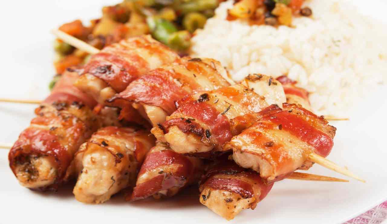 Stuzzichini di bacon con cuore filante