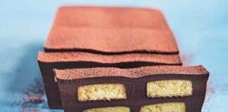 Torta marquise al cioccolato con biscotti morbidi