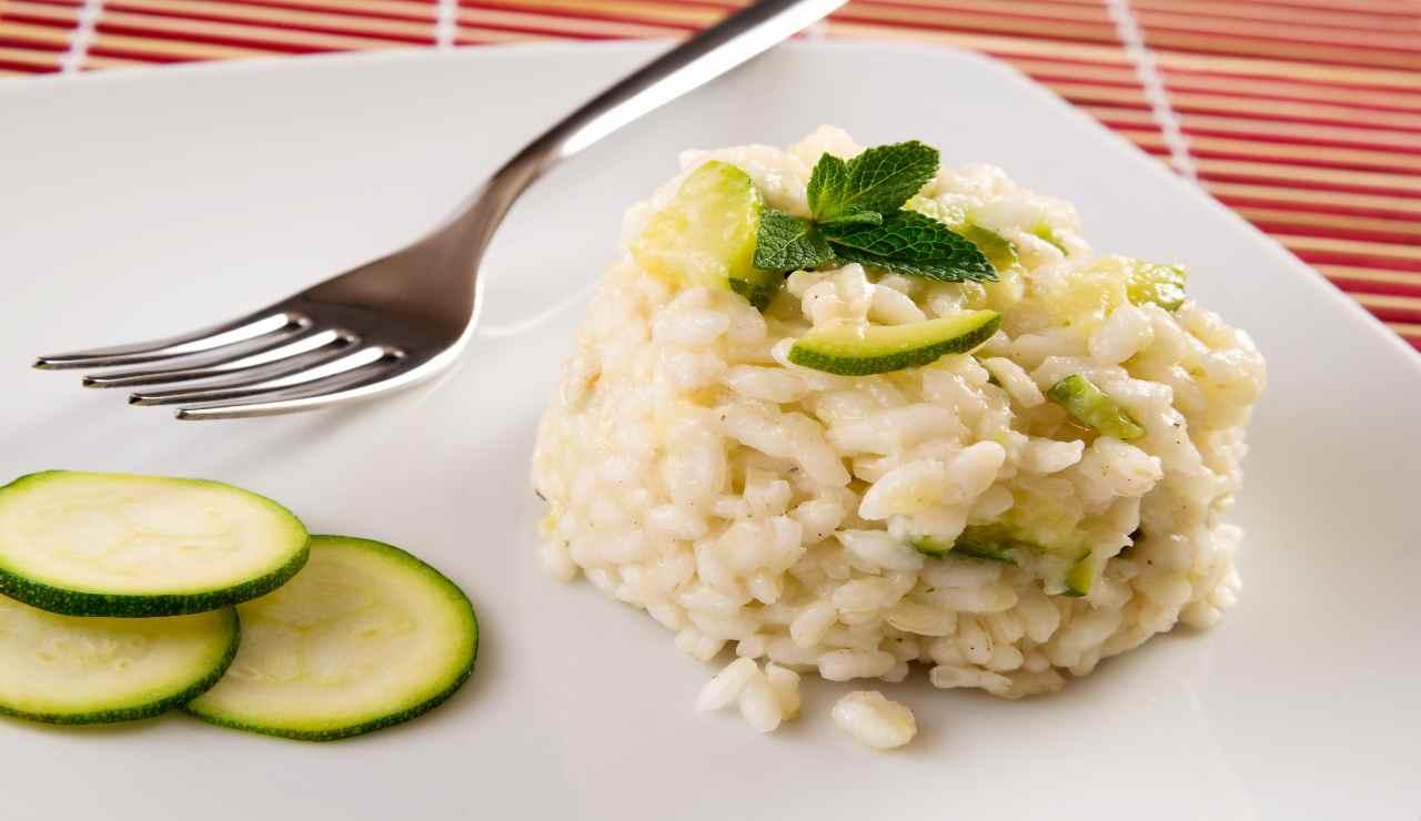 Tortini di risotto freddo con zucchine al limone