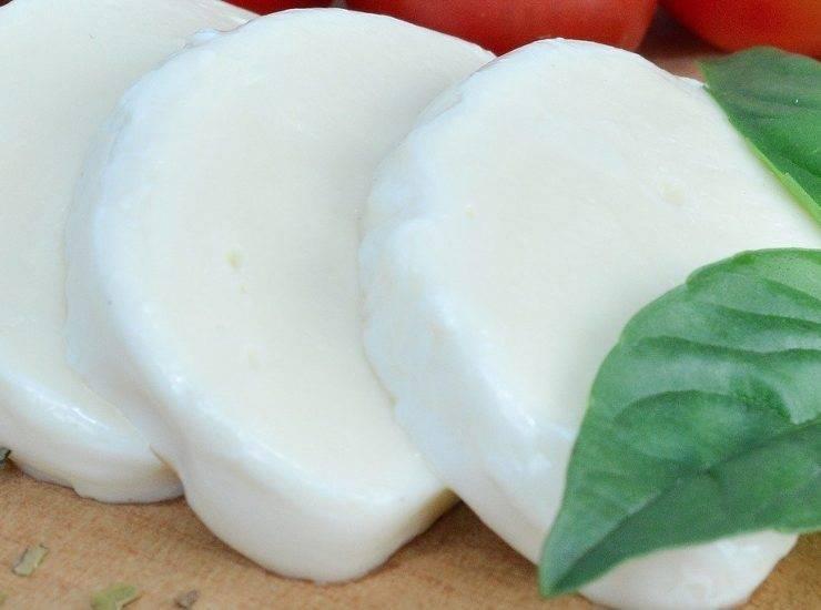 Zucchine alla mozzarella gratinate FOTO ricettasprint