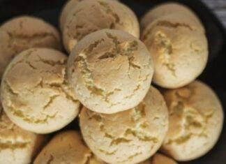 Biscotti con frutta secca e zucchero
