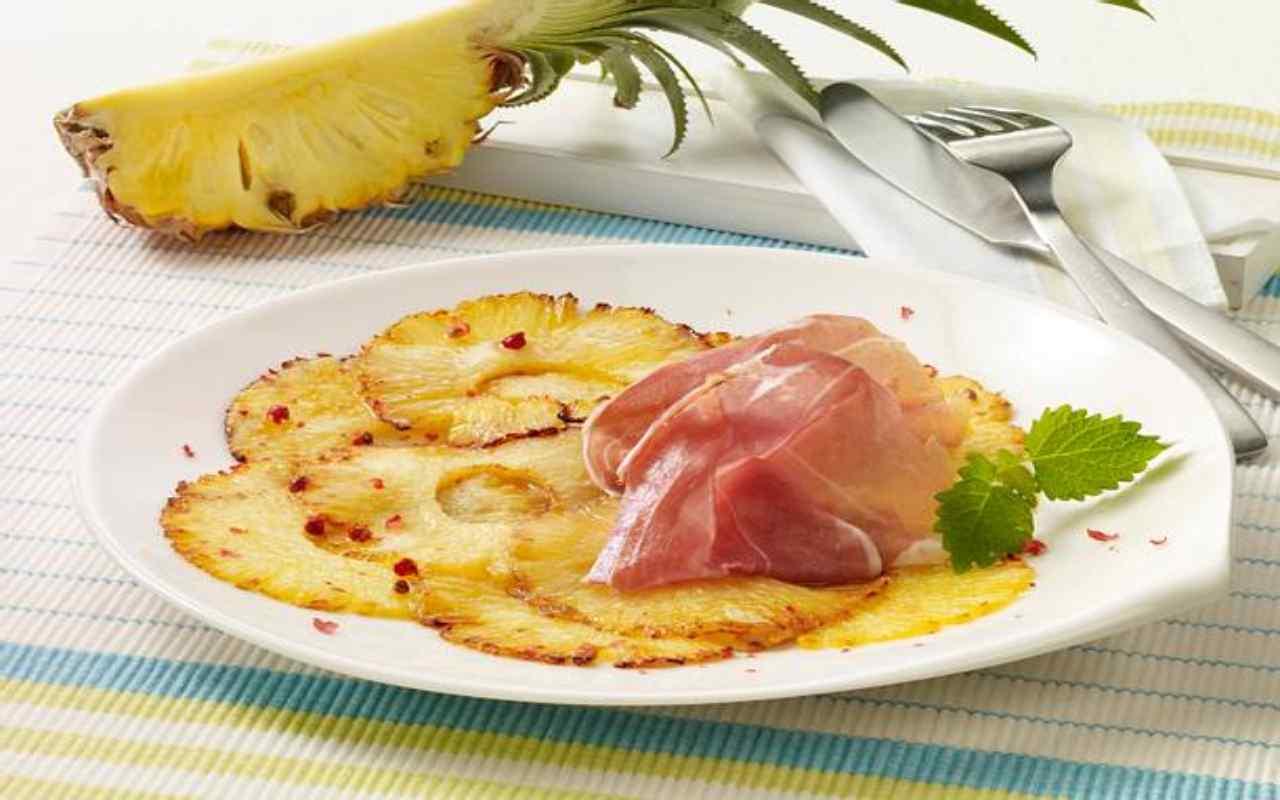 carpaccio ananas prosciutto cudo aceto ricetta FOTO ricettasprint