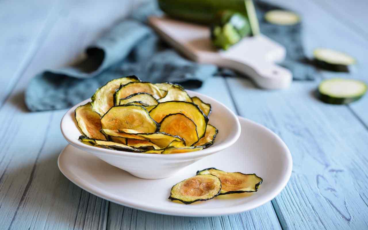 chips zucchine ricetta FOTO ricettasprint