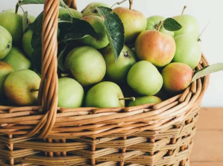 Crostata con composta di mele e mandorle ricetta
