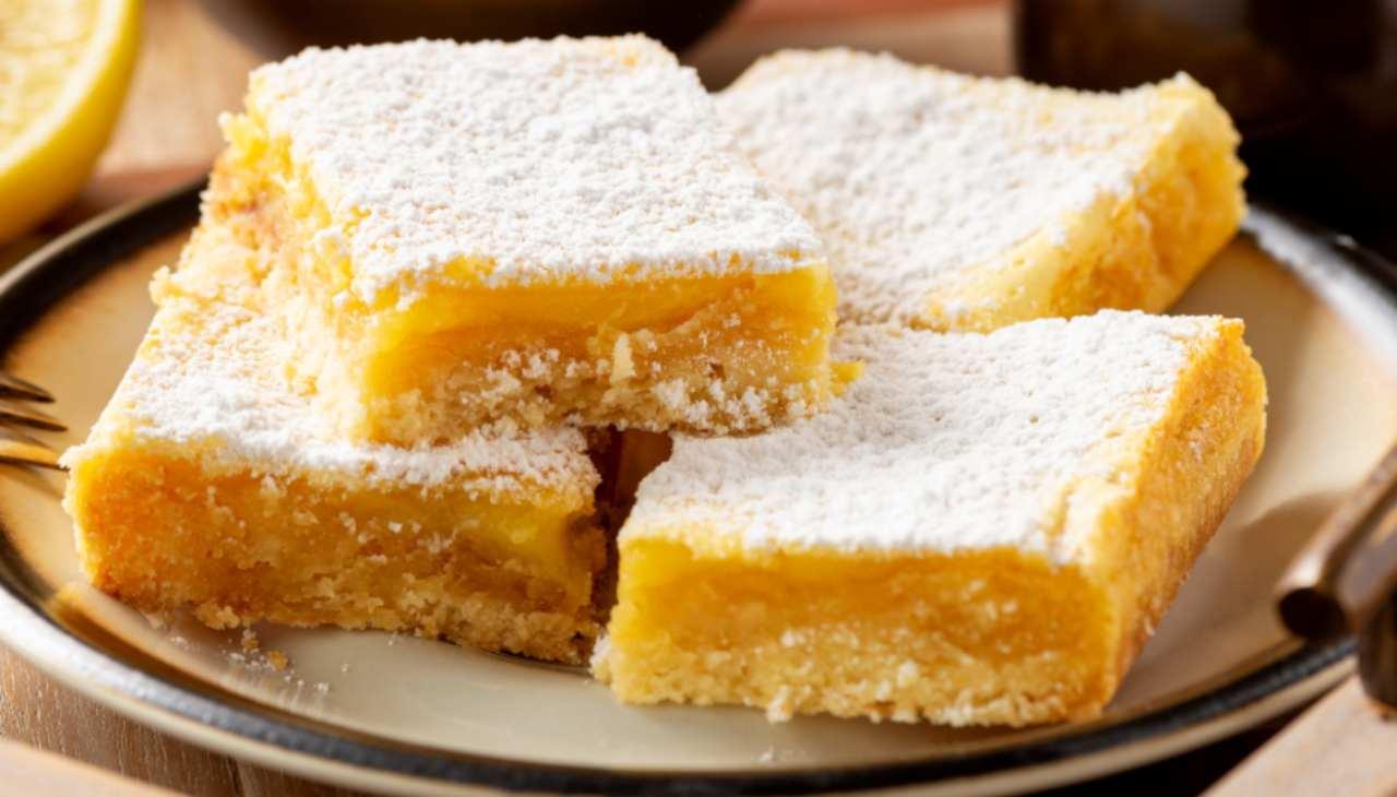 Dolcini alla crema di limone facilissimi