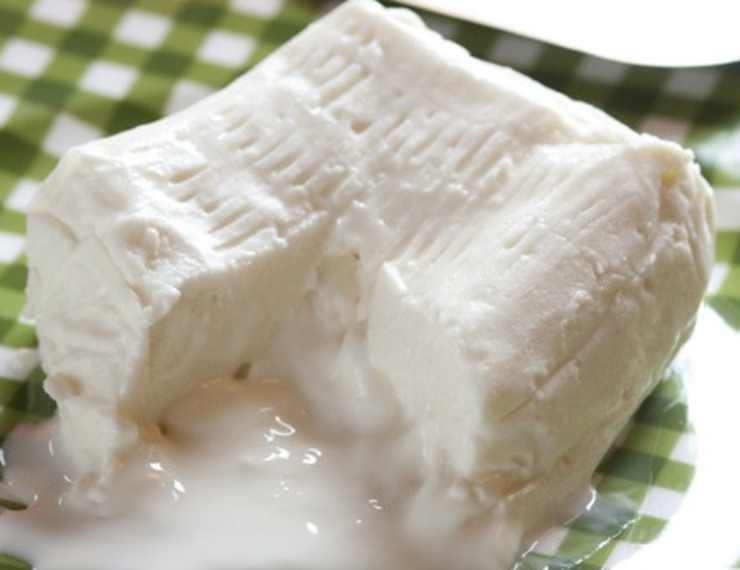 Crostini con crema di zucchine stracchino e salmone FOTO ricettasprint