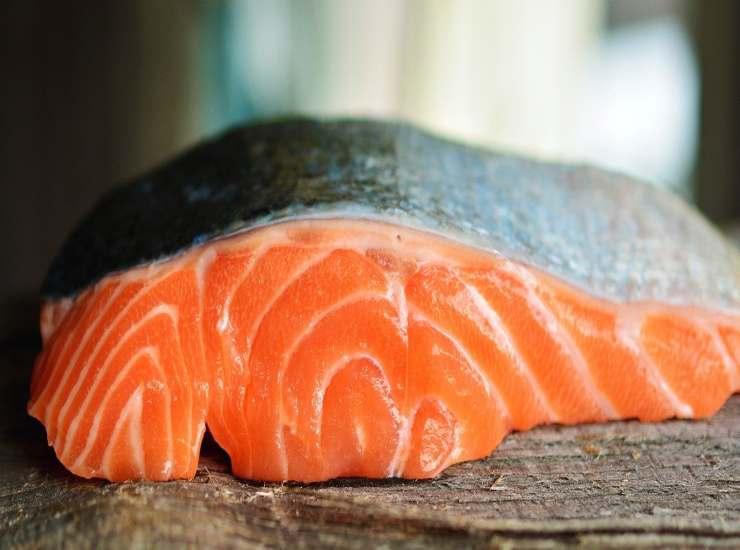 Filetti di salmone in crosta di cocco FOTO ricettasprint