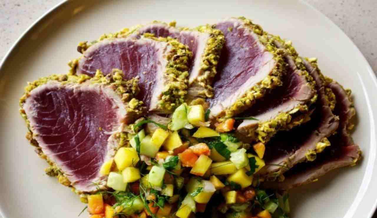 Filetto di tonno in crosta aromatica in 10 minuti