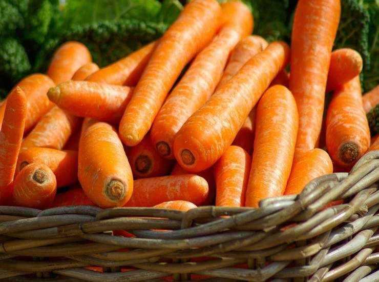 Frullato di pesche e carote ricetta