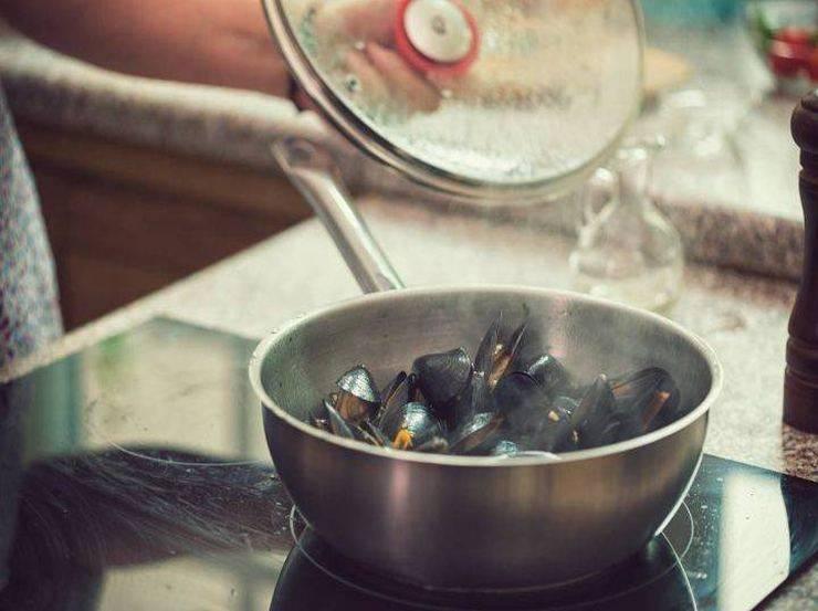 Zuppa fredda gamberi e cozze