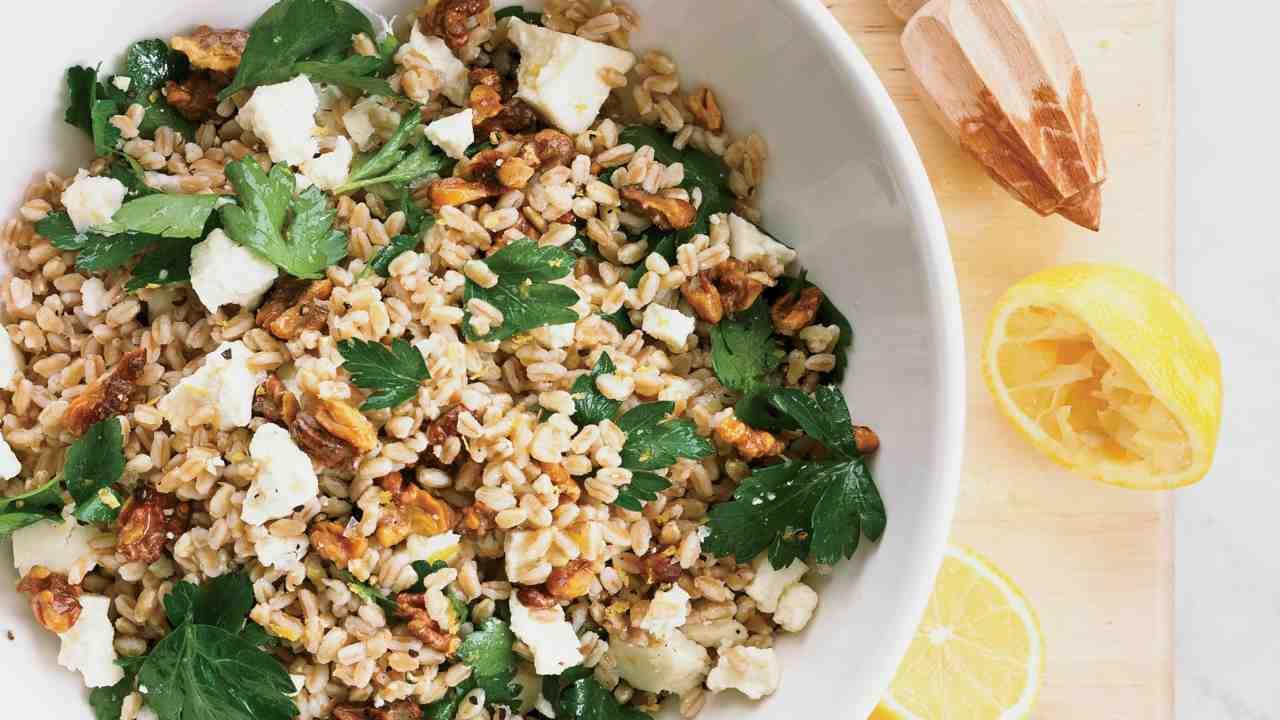 insalata orzo salmone ricetta FOTO ricettasprint
