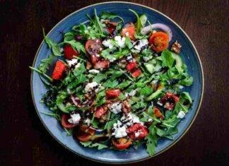 insalata pomodori cetrioli ricotta ricetta FOTO ricettaspint