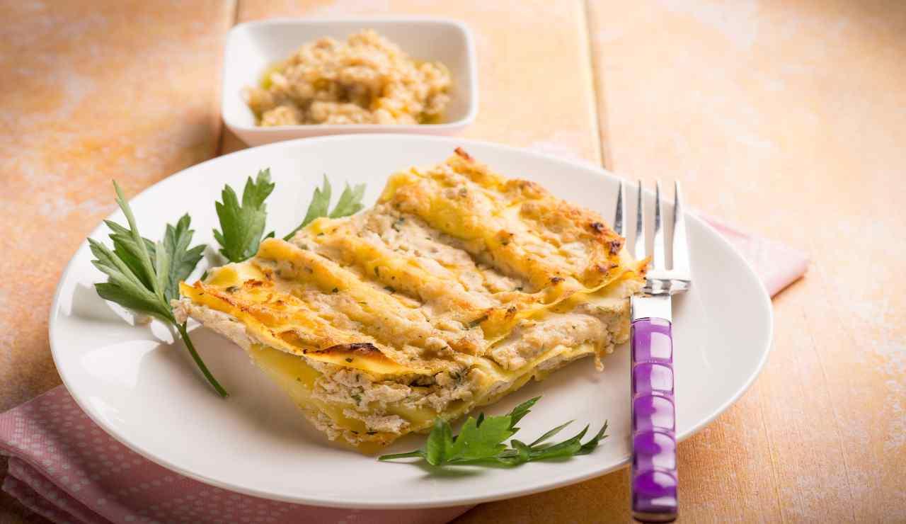 Lasagna bianca con carciofi e pollo allo zenzero