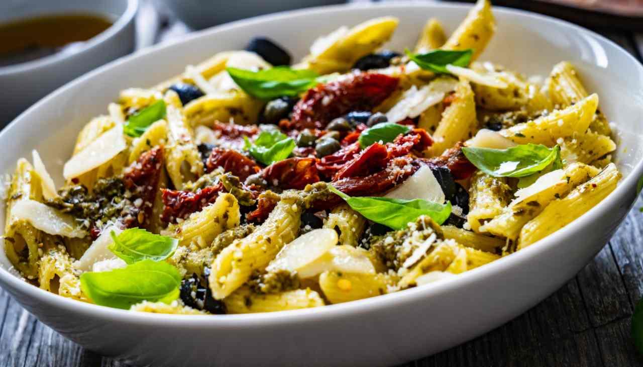 Primo piatto con verdura e formaggio