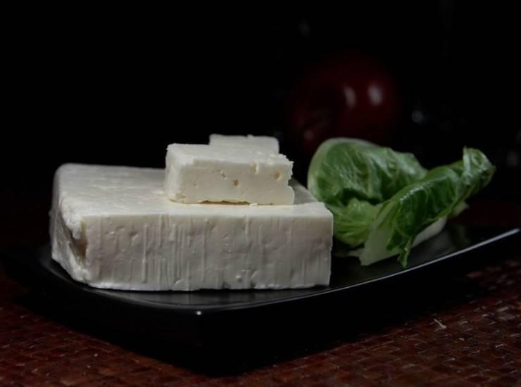 Pasta fredda con limone feta e zucchine FOTO ricettasprint