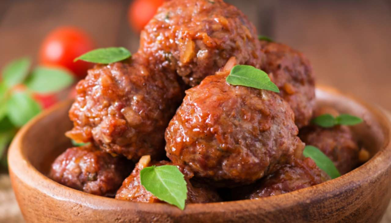 Finger food con sugo di pomodoro