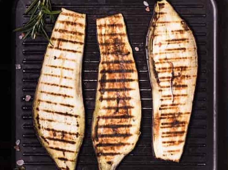 Formaggio grigliato con verdure