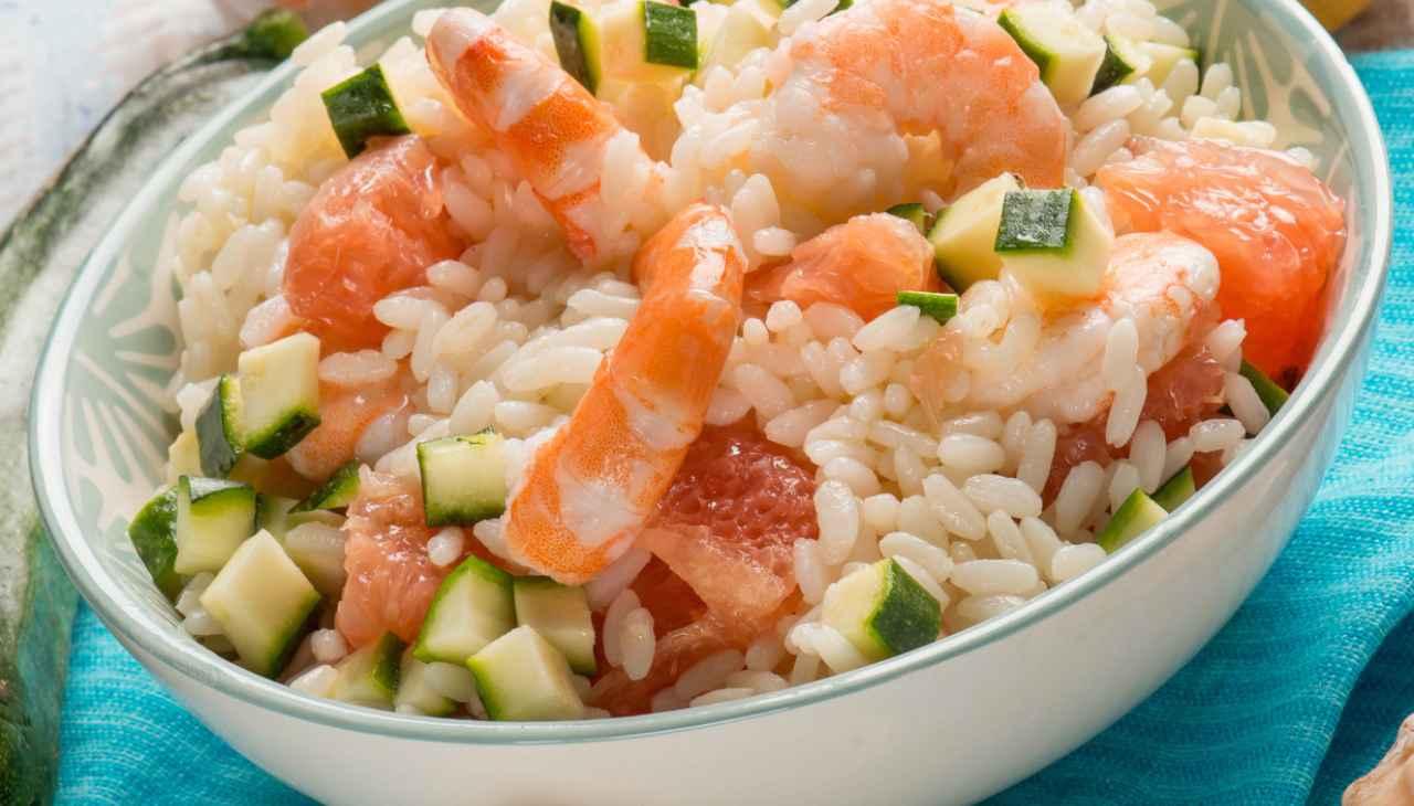 Pitto unico di riso con verdura e crostacei