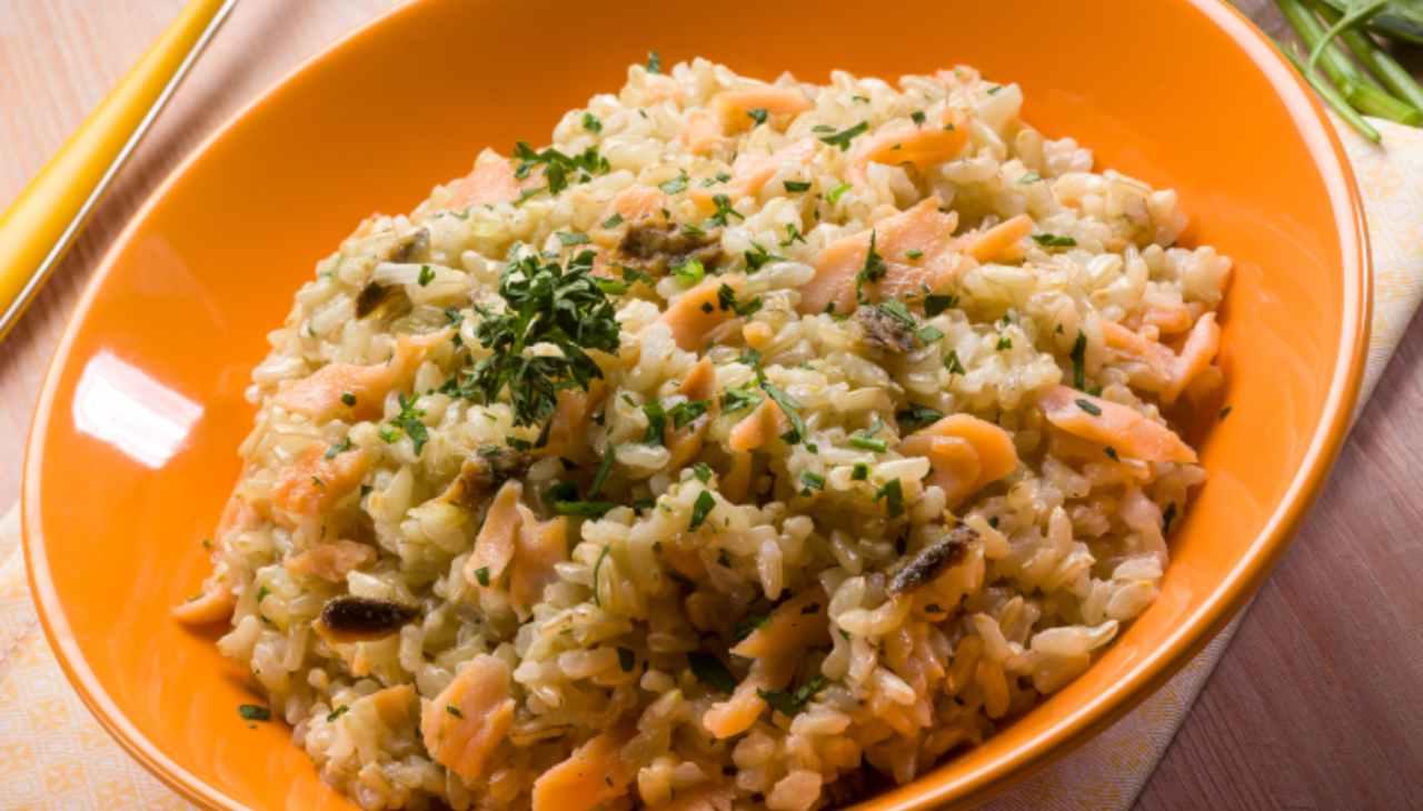 Primo di riso con pesce e spezie