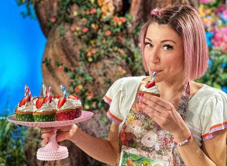 Sara Brancaccio sforna i cupcakes - RicettaSprint