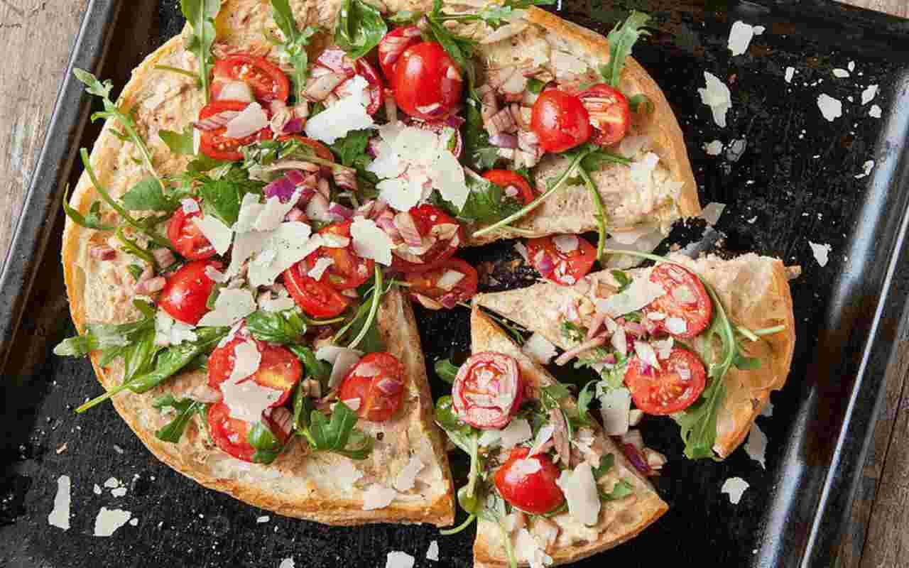 schiacciatine tonno pomodoro ricetta FOTO ricettasprint