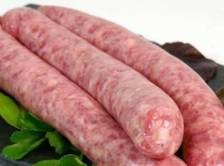 Spiedini di zucchine e salsiccia FOTO ricettasprint