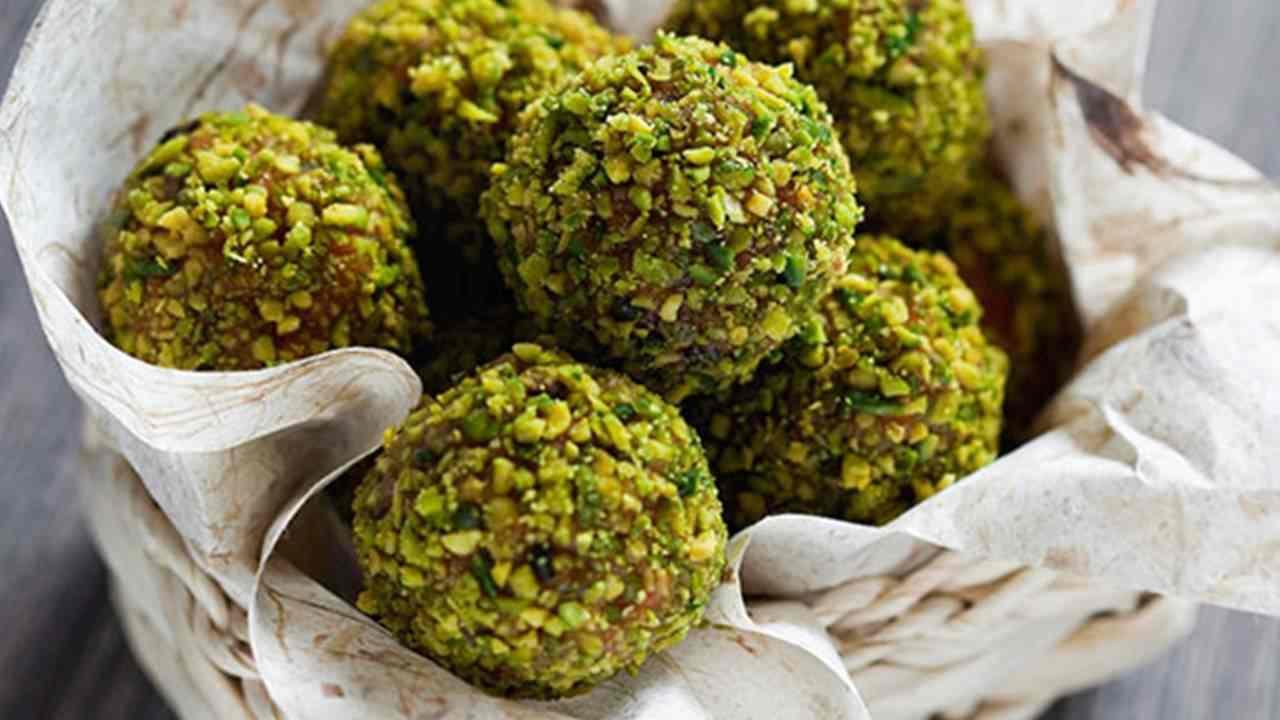tartufini pistacchio cioccolato ricetta FOTO ricettasprint