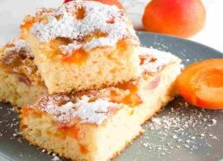 Torta soffice al microonde albicocche e arancia
