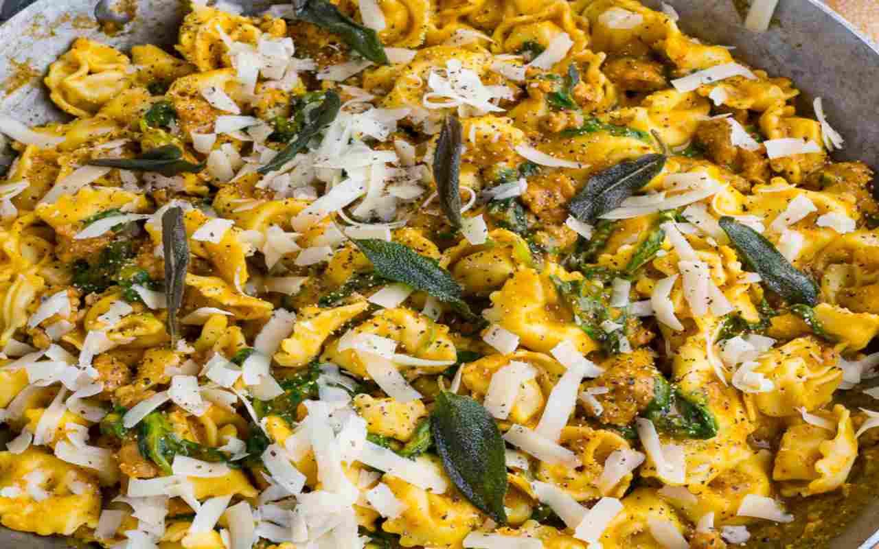 tortellini salsiccia zafferano ricetta FOTO ricettasprint