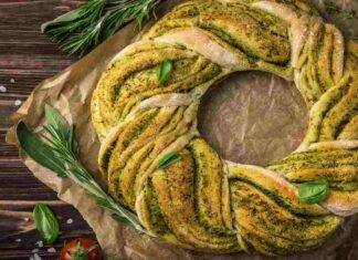 Treccia ciambella al pesto di erbe aromatiche
