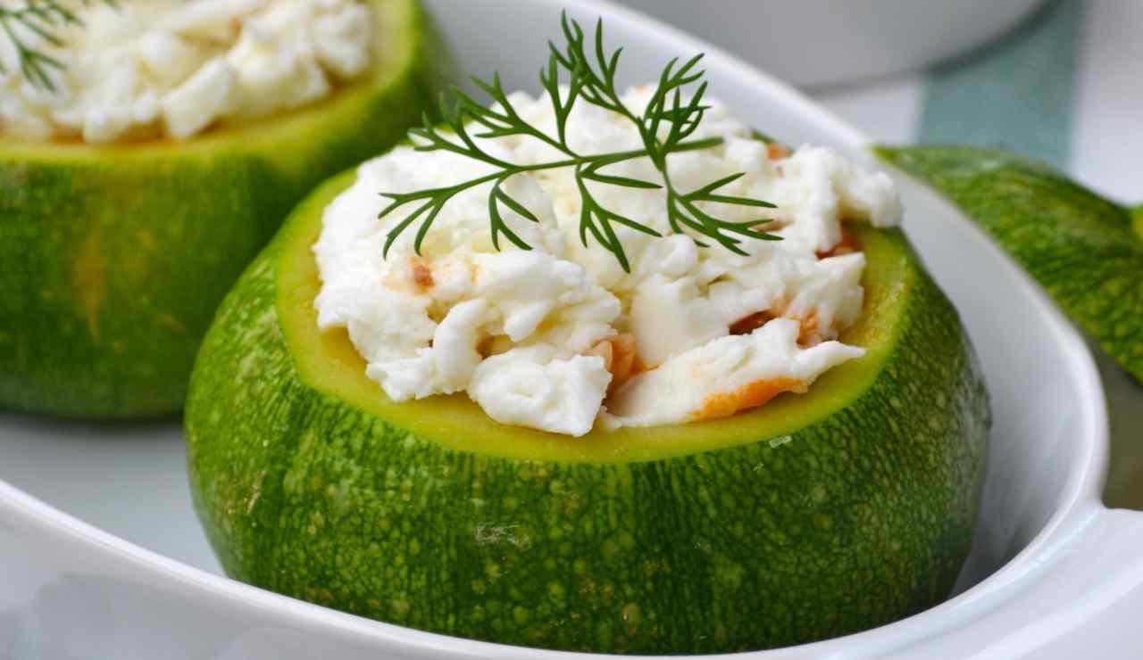 Zucchine di Nizza con ripieno di riso al ragù e mozzarella fresca