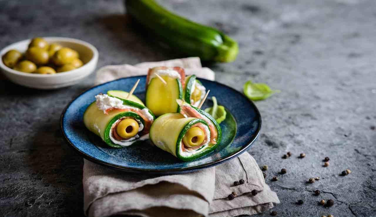 Zucchine ripiene con ricotta salmone e olive marinate