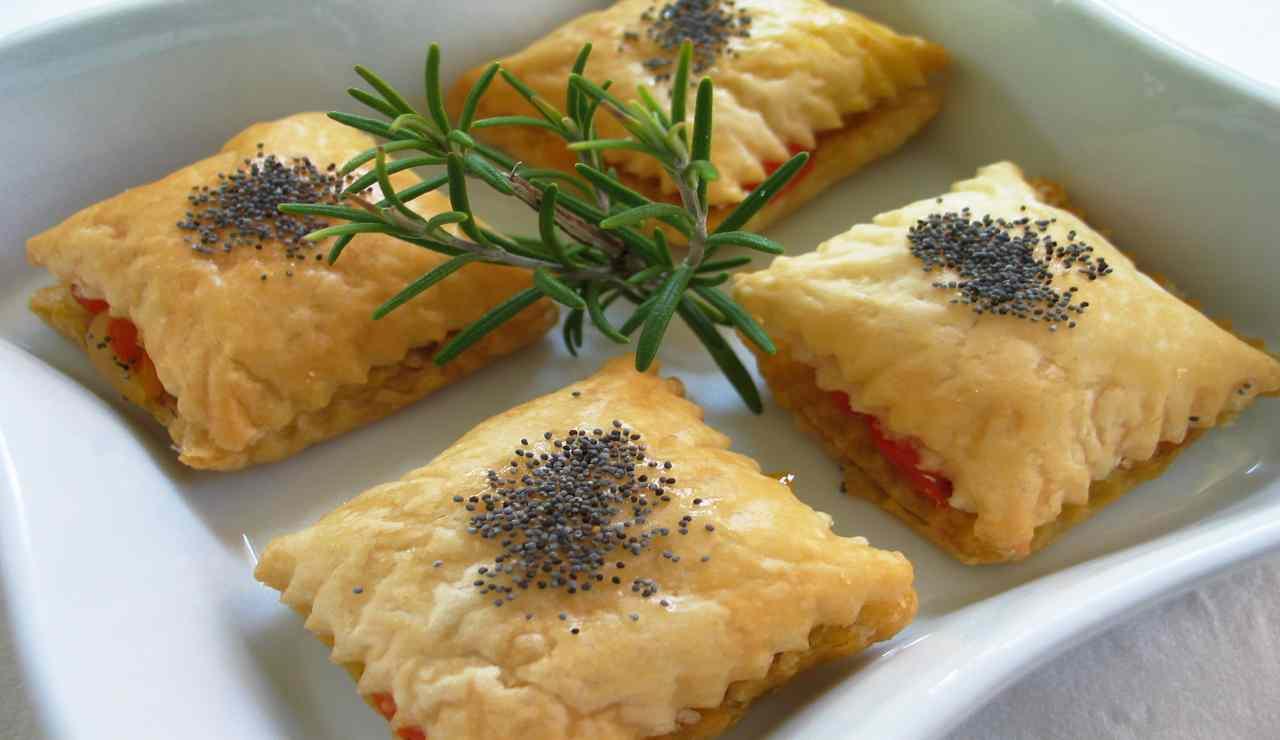 fagottini salsa rosa salmone e peperoni grigliati