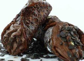 Cannoli siciliani tutto cioccolato ricetta facile ricettasprint