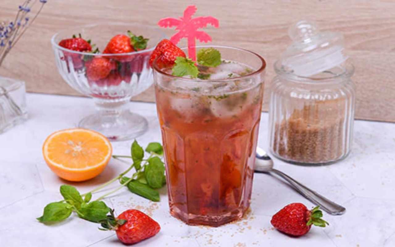 cocktail analcolico arancia fragola ricetta FOTO ricettasprint